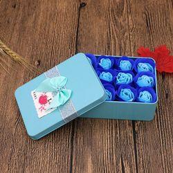 Quà tặng hộp thiếc 12 bông sáp phối màu giá sỉ
