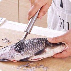 Dụng cụ nại dừa đánh vảy cá