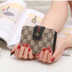 ví cầm tay nhỏ tiện dụng giá sỉ