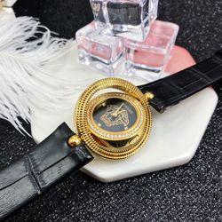 đồng hồ vs siêu cấp dây da