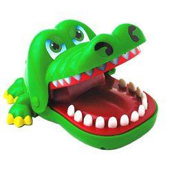 Đồ chơi cá sấu cắn tay giá sỉ