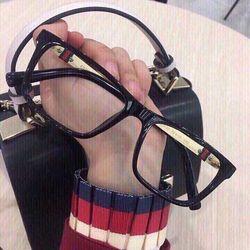 Mắt kính cận giá sỉ