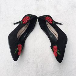 giày cao gót hoa hồng
