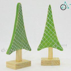 Cây thông Noel bằng gỗ nhỏ xinh để bàn Số 003