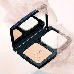 Phấn Phủ Kiềm Dầu - Dior skin Forever Extreme Control