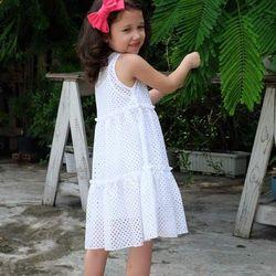 Đầm suông ren lỗ màu trắng cho bé gái HIKARI-1 xinh xắn đáng yêu