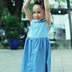 Đầm sơ mi sọc thẳng phối màu xanh jean cho bé gái HIKARI-7 giá sỉ