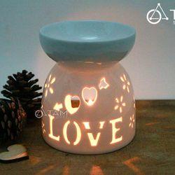 Đèn đốt tinh dầu bằng nến Gốm trắng chữ LOVE cao 12cm số 16 size lớn
