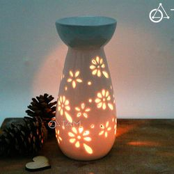 Đèn đốt tinh dầu bằng nến Gốm trắng hoa mai cao 17cm số 22