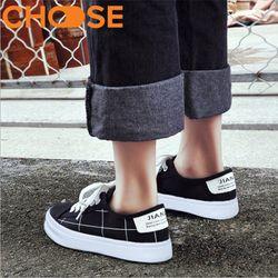 Giày Bata Nữ Ca Rô/ Sneaker Kẻ Sọc Đen Trắng Cột Dây Đế Độn 2cm 1408 giá sỉ