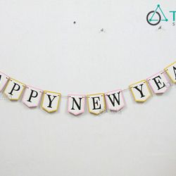 Dây treo chữ Happy New Year bằng gỗ số 06