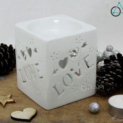 Đèn xông tinh dầu nến gốm trắng Vuông chữ Love số 26 cao 10cm