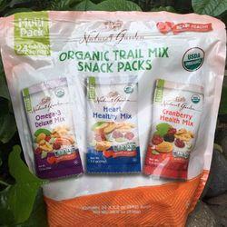 ORGANIC - Hạt Tổng Hợp Organic Trail Mix Snack Packs - Natures Garden U giá sỉ