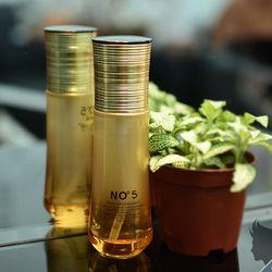 Xịt dưỡng tóc No5 nắp vàng xoắn sỉ 35k/chai 80ml giá sỉ