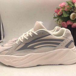 Giày thể thao YZ 700 hàng quảng châu chất đẹp giao hàng toàn quốc giá sỉ