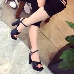 Giày sandal cao gót vuông giá sỉ