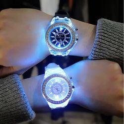 Đồng hồ Led phát sáng nam nữ giá sỉ