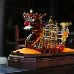 Bình đựng Rượu thuyền buồm Phong Thủy giá sỉ