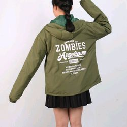 áo khoác dù nam nữ in chữ zombies giá sỉ