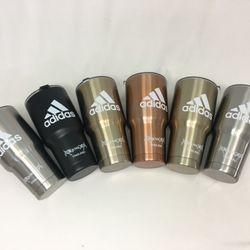Bộ ly giữ nhiệt Yeti gồm ly túi nắp chống tràn 2 ống hút và cọ rửa ống hút giá sỉ, giá bán buôn