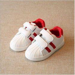 Giày thể thao cho bé trai và bé gái gót đỏ 02 giá sỉ