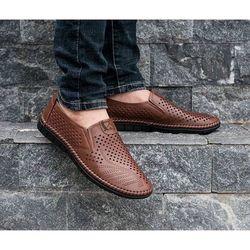giày lười nam đục lỗ thoáng khi tránh hôi chân giá sỉ