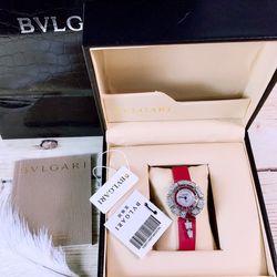 Đồng hồ nữ BVLgarii đỏ sang chảnh giá sỉ