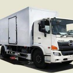 Xe tải Hino 8T3 thùng bảo ôn - FG8JPSB thùng 6m9 trả góp 370tr giá sỉ