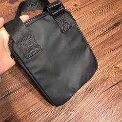 Túi đeo chéo nam CK giá sỉ, giá bán buôn
