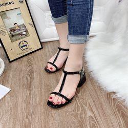 Giày sandal thấp giá sỉ