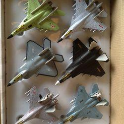 Đồ chơi trẻ em Mô hình máy bay chiến đấu giá sỉ