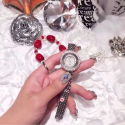 Đồng hồ nữ thời trang Royal Crown 3628 dây sắt mặt đá xoay giá sỉ