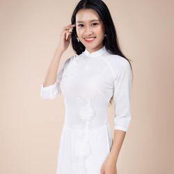 Áo dài kết hoa màu trắng giá sỉ