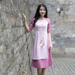 Áo dài cách tân liền váy thêu sen màu hồng giá sỉ
