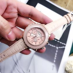 đồng hồ swa hồng