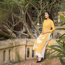 Áo dài truyền thống thêu sen màu vàng giá sỉ, giá bán buôn