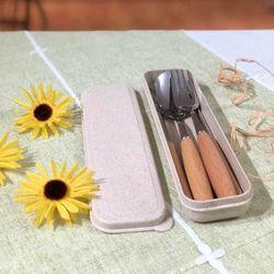 Bộ đũa thìa dĩa inox kèm hộp lúa mạch cao cấp giá sỉ