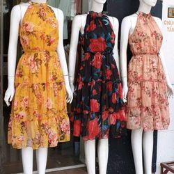Đầm voan hoa cổ yếm