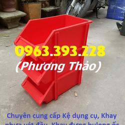 Khay nhựa đựng bulong ốc vít khay linh kiện xếp chồng giá rẻ tại Hà Nội giá sỉ