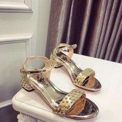 Giày sandal đế sò giá sỉ