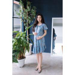 Đầm bầu Jean in họa tiết cổ nút nơ phối bèo nhún xanh nhạt giá sỉ