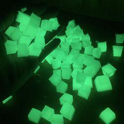 combo đá dạ quang phát sáng trong đêm bộ 2 màu 200 gr giá sỉ