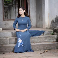 Bộ đi chùa truyền thống thêu sen dưới màu xanh giá sỉ