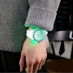 Đồng hồ led phát sáng giá sỉ
