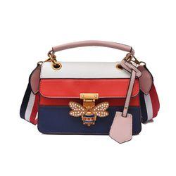 Túi đeo chéo nữ khóa ong da đẹp