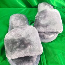 Dép lông nhung màu xám lông chuột đế nhựa mang trong nhà hay ngoài phố đều xinh nhé giá sỉ, giá bán buôn
