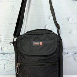 Túi đeo chéo màu đen nhiều ngăn cao cấp TDC0014 giá sỉ