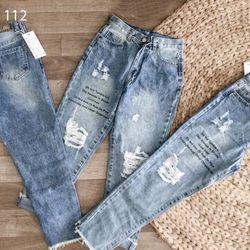 Quần baggy jean nữ rách in chữ thời trang giá sỉ
