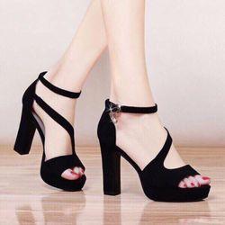 Giày sandal cao gót trụ giá sỉ
