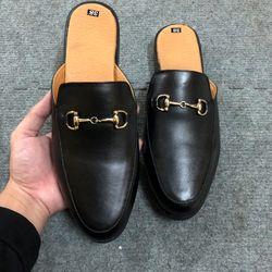 giày nam loại giày loại mới ra lò phục vụ ae vô cùng tiện giá sỉ